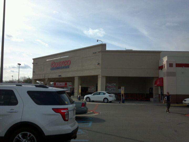 Costco Gas Station 1205 N Memorial Pkwy, Huntsville