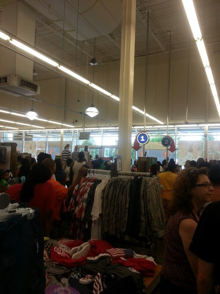 Old Navy 8031 Eastchase Pkwy, Montgomery