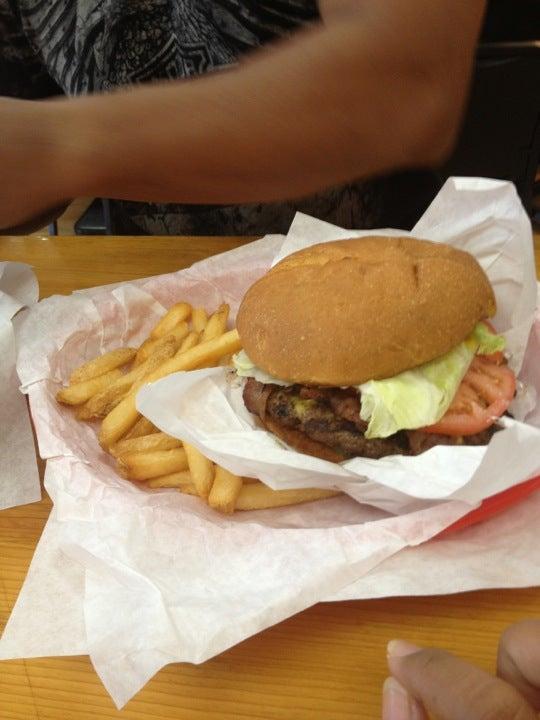 Brown Bag Burger 150 E Sheldon St # 111, Prescott