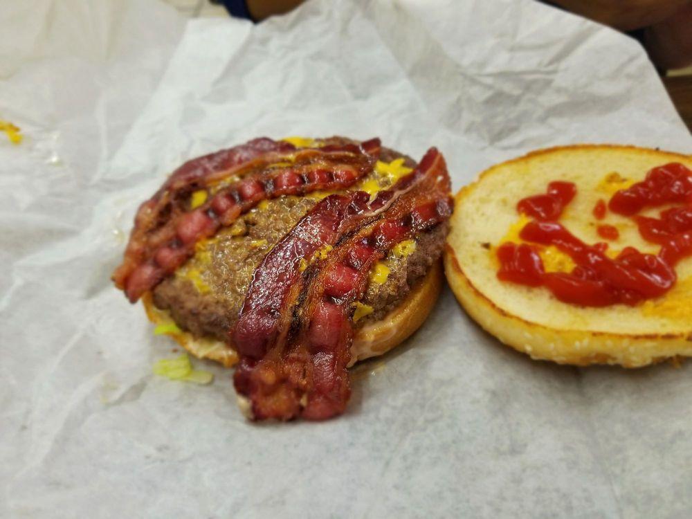 Casa Burger Drive-In 301 Bear Mountain Blvd, Arvin