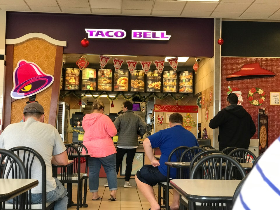 Taco Bell 5552 S Wheeler Ridge Rd #9745, Arvin
