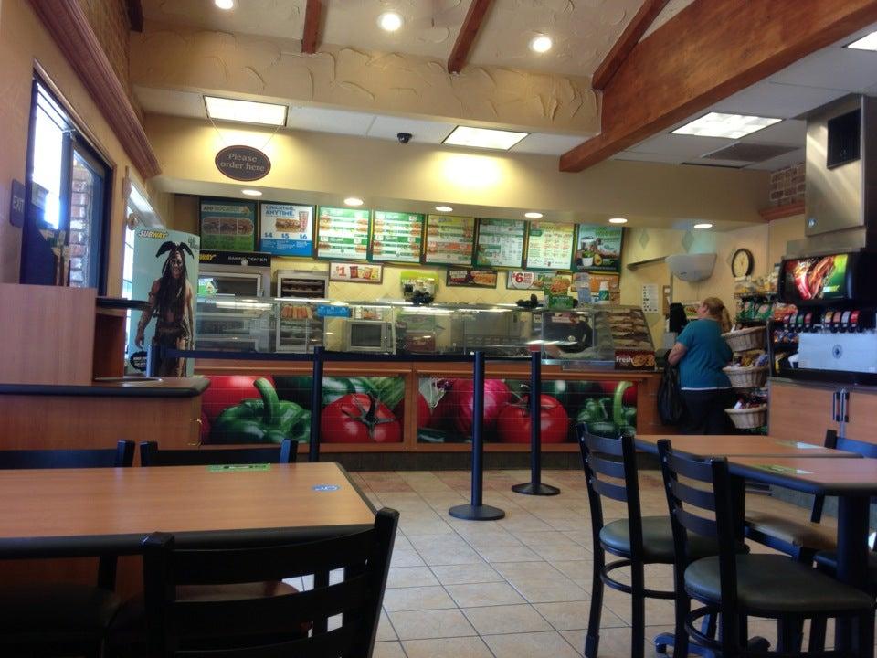 Subway 352 Bear Mountain Blvd, Arvin