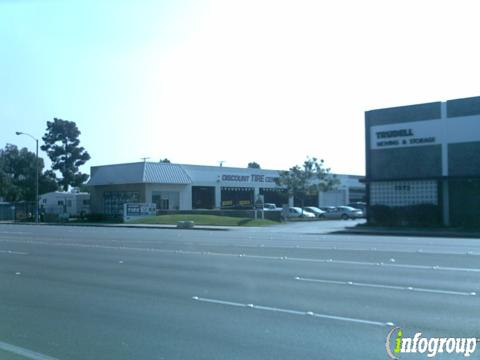 Discount Tire 7582 Warner Ave, Huntington Beach