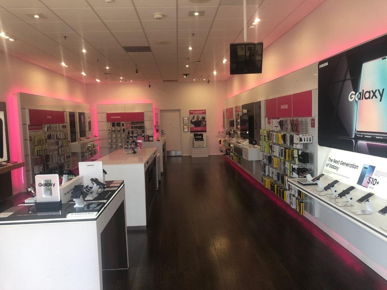 T-Mobile Huntington Beach
