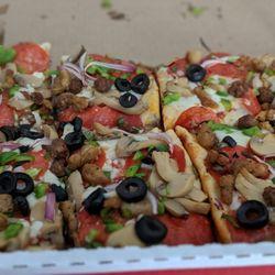 Pizzaroni Pizza - Huntington Park, CA