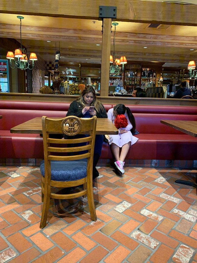 Mimi's Cafe 4404 Candlewood St, Lakewood