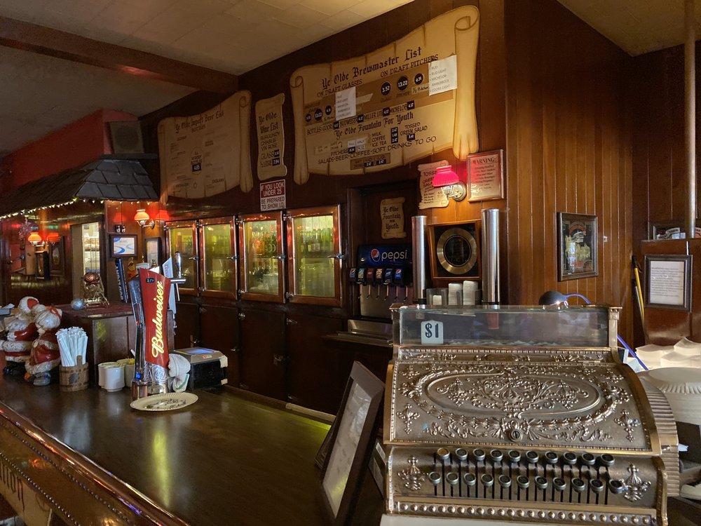 Me-n-Ed's Pizza Parlor 4115 Paramount Blvd, Lakewood