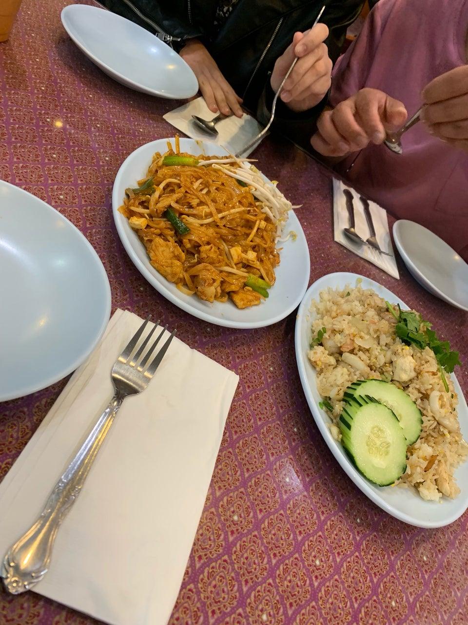 Ontar Thai Restaurant 750 Archibald Ave, Ontario