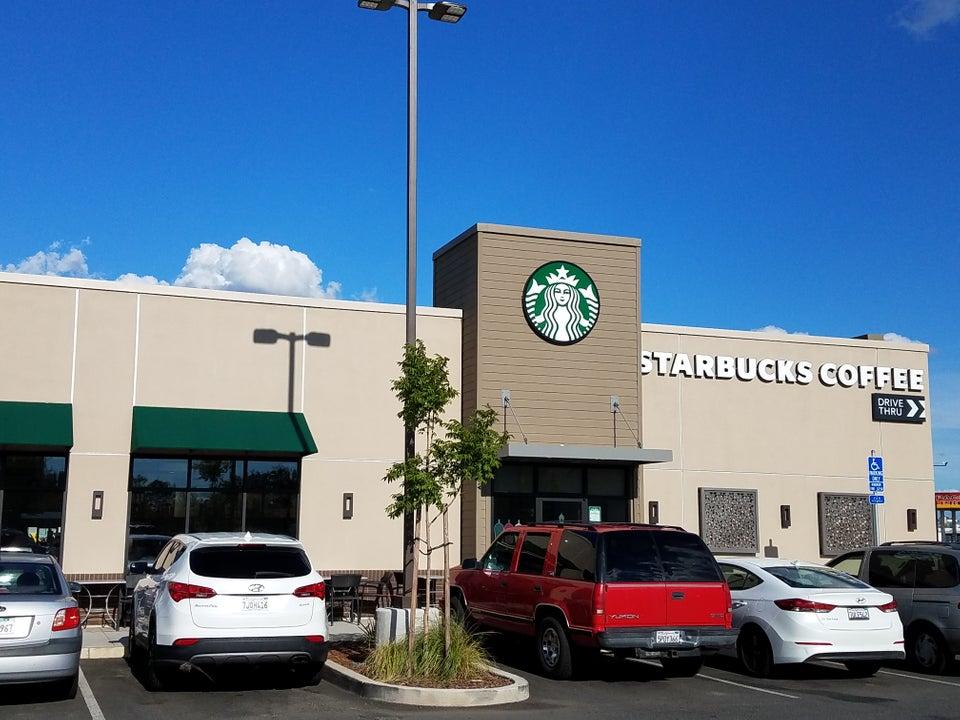 Starbucks 480 East Oroville Dam Blvd E, Oroville