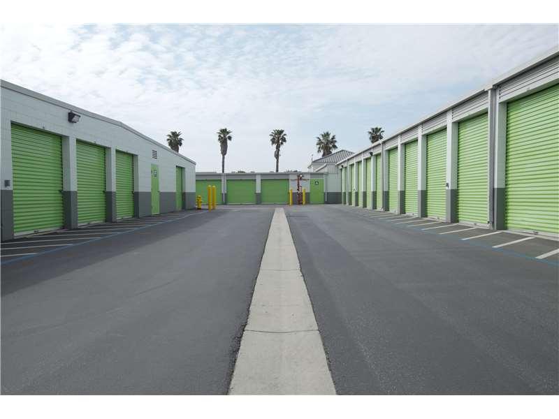 Extra Space Storage 2585 W 5th St, Oxnard