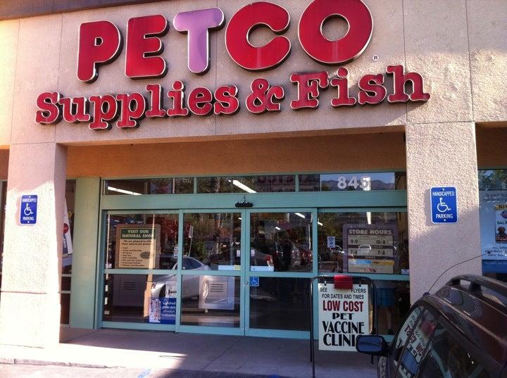 Petco 845 S Arroyo Pkwy, Pasadena