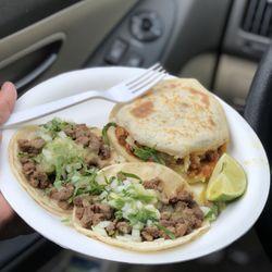 Tacos Juanita's Estilo Mezcala