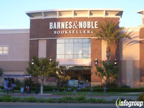Barnes & Noble Del Amo Fashion Center, 21400 Hawthorne Blvd, Torrance