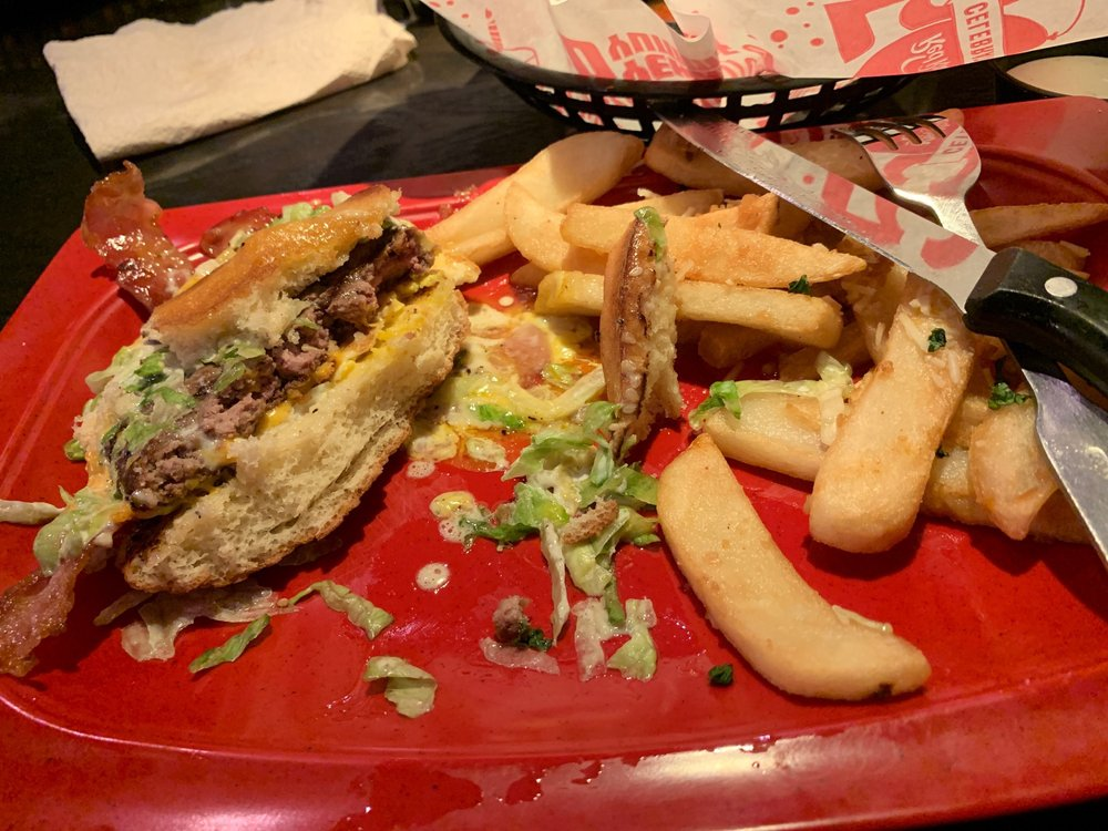 Red Robin Gourmet Burgers and Brews 428 Plaza Dr, West Covina