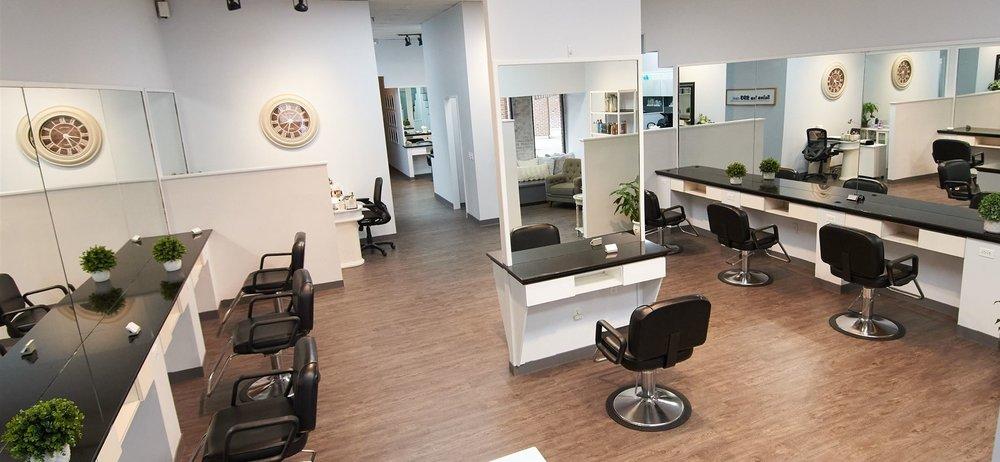 Salon 293 east