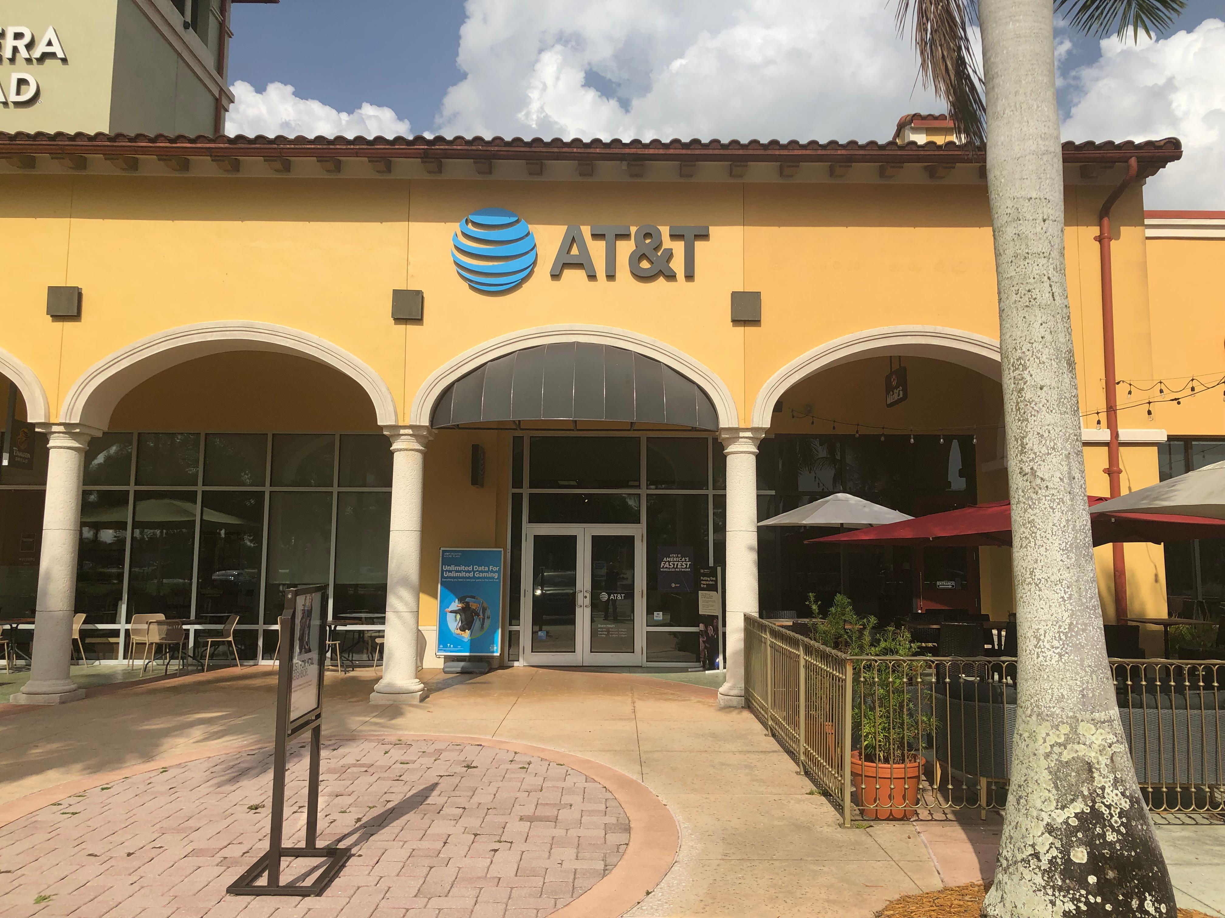 AT&T 8076 Mediterranean Drive, Estero