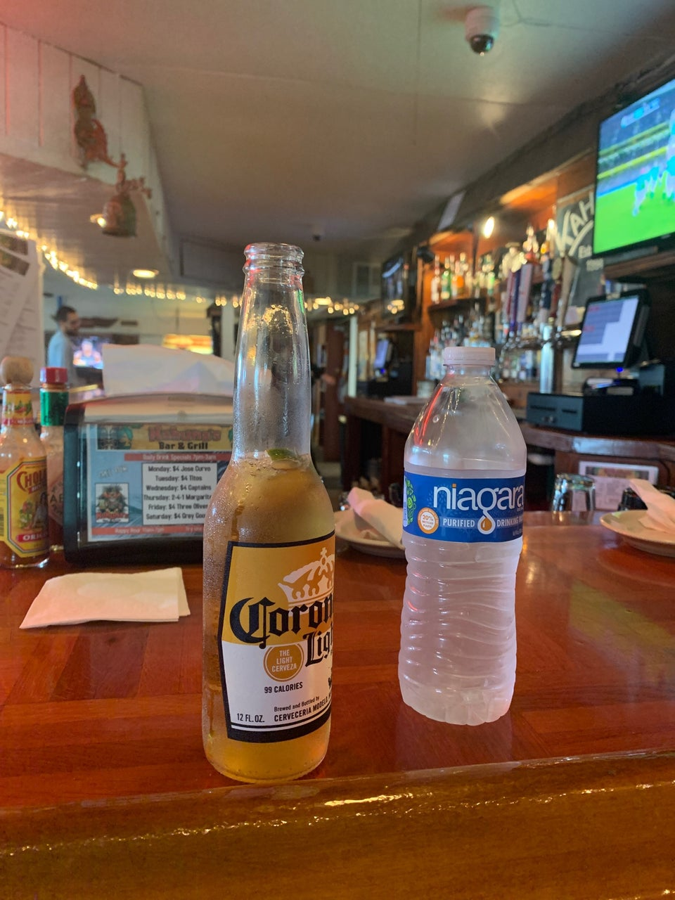 Kahuna's Bar and Grill 10515 Gandy Blvd N, St. Petersburg