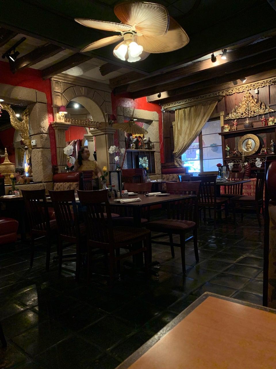 Lanna Thai and Sushi Restaurant 4871 Park St N, St. Petersburg