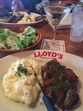 LLoyd's Restaurant & Lounge