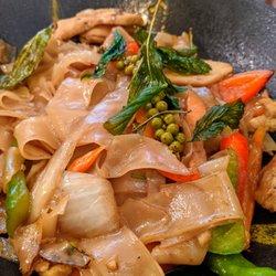 26 Thai Kitchen & Bar (Midtown)
