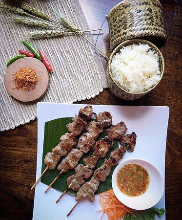 Sri Thai Kitchen & Sushi Bar