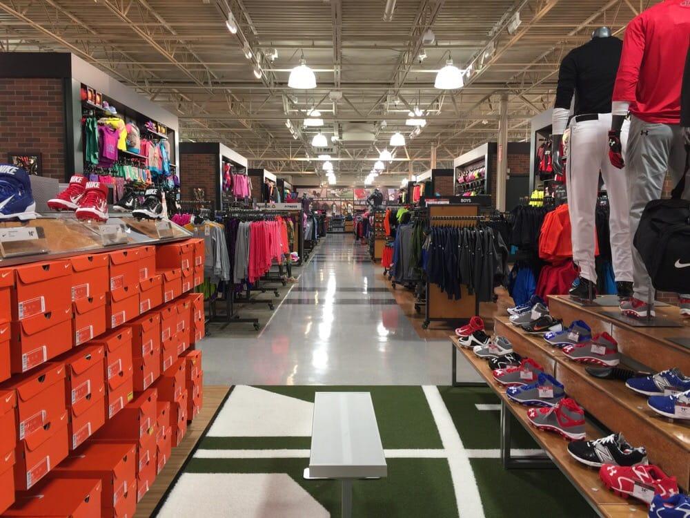 DICK'S Sporting Goods 131 N Milwaukee St, Boise