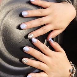 Q Nails Salon