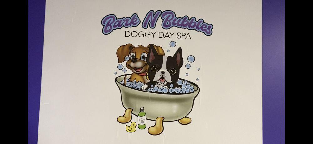 Bark N Bubbles Doggy Day Spa 1433 E Hyde Park Blvd, Chicago