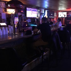Curly's Sports Bar