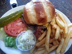 Sammy's Restaurant & Bar