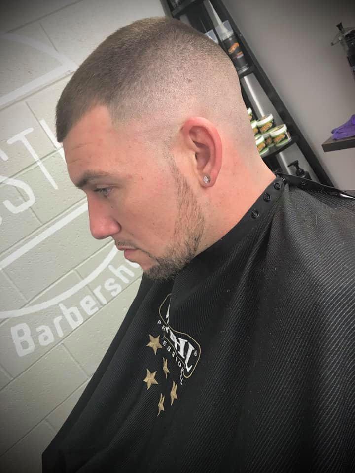 Rustic Barbershop Studio 704 18th Ave, Moline
