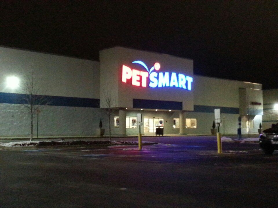 PetSmart 6320 E State St, Rockford