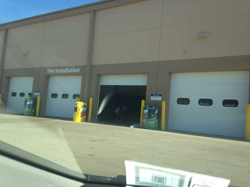 Sam's Club Gas 2300 W White Oaks Dr, Springfield