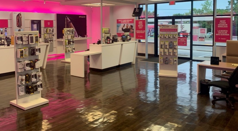 T-Mobile 2243 State St, New Albany
