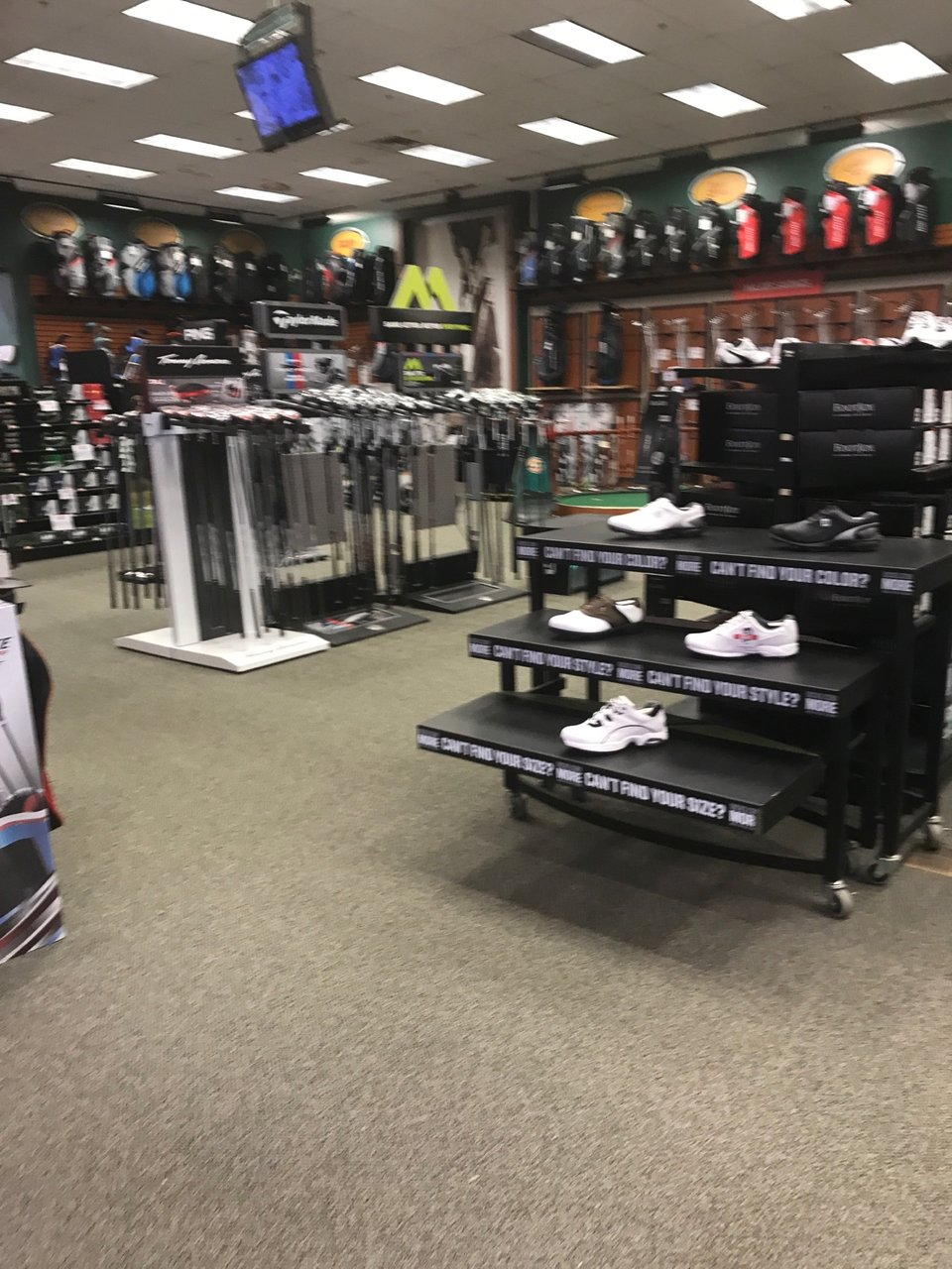 DICK'S Sporting Goods 541E Lincoln St, Worcester
