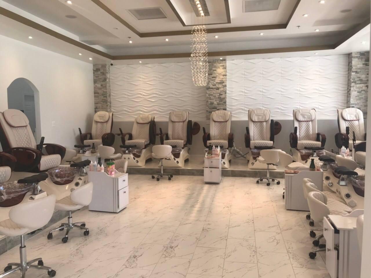 Luxury Nails & Spa Lounge