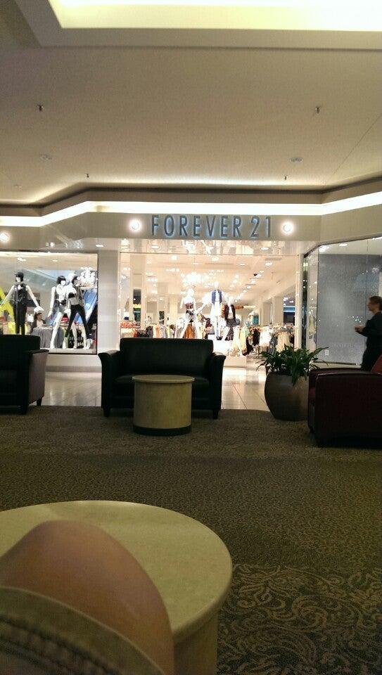 Forever 21 416 Rosedale Shopping Center Space #330, Roseville