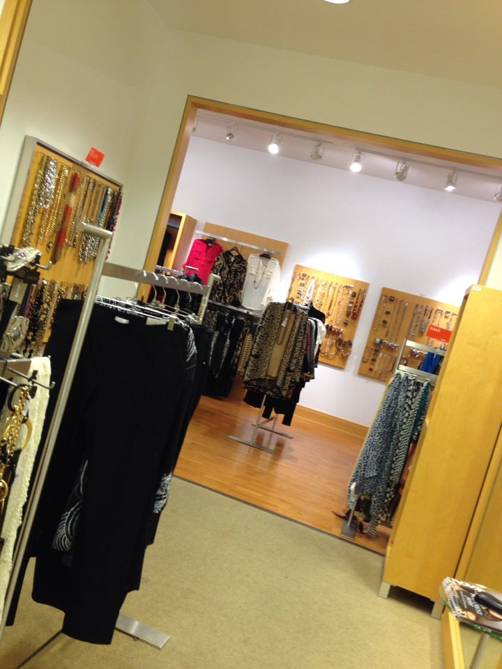Chico's 1062 Grand Ave #130, St Paul