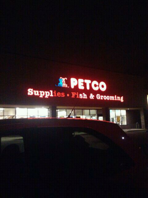 Petco 2277 Ford Pkwy, St Paul