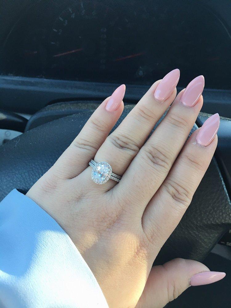 LA Nails - Vadnais Heights