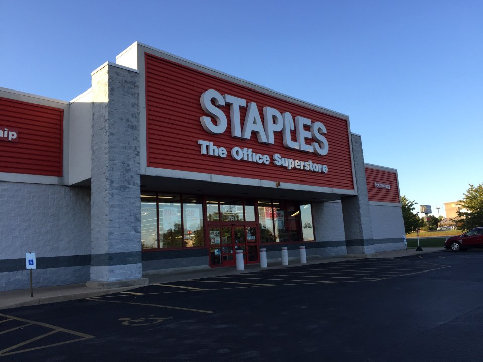Staples 2135 E Independence St Ave, Springfield