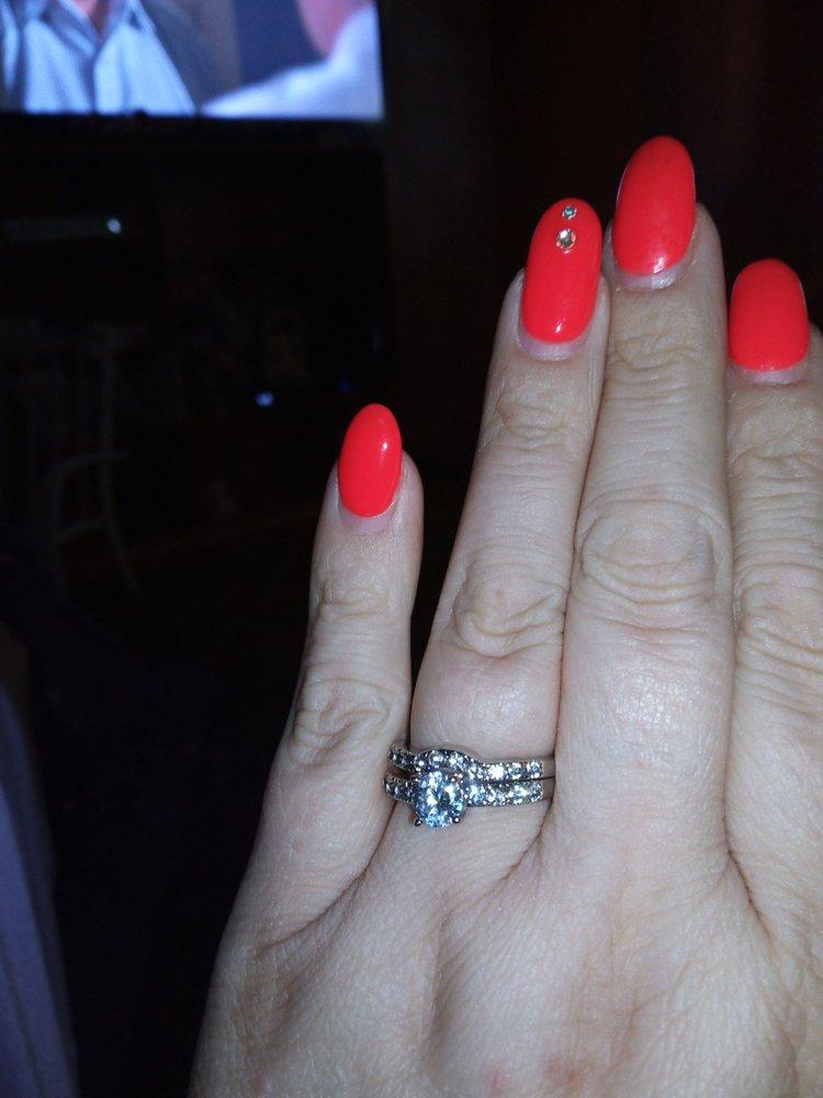 Q's Nails
