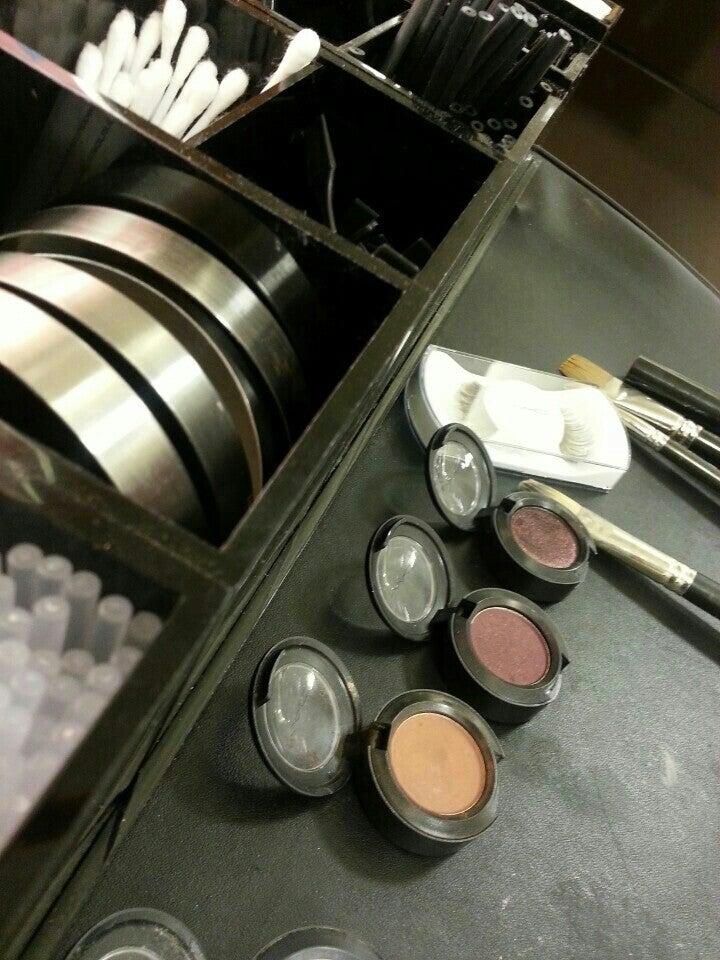 MAC Cosmetics 5 S Tunnel Rd, Asheville