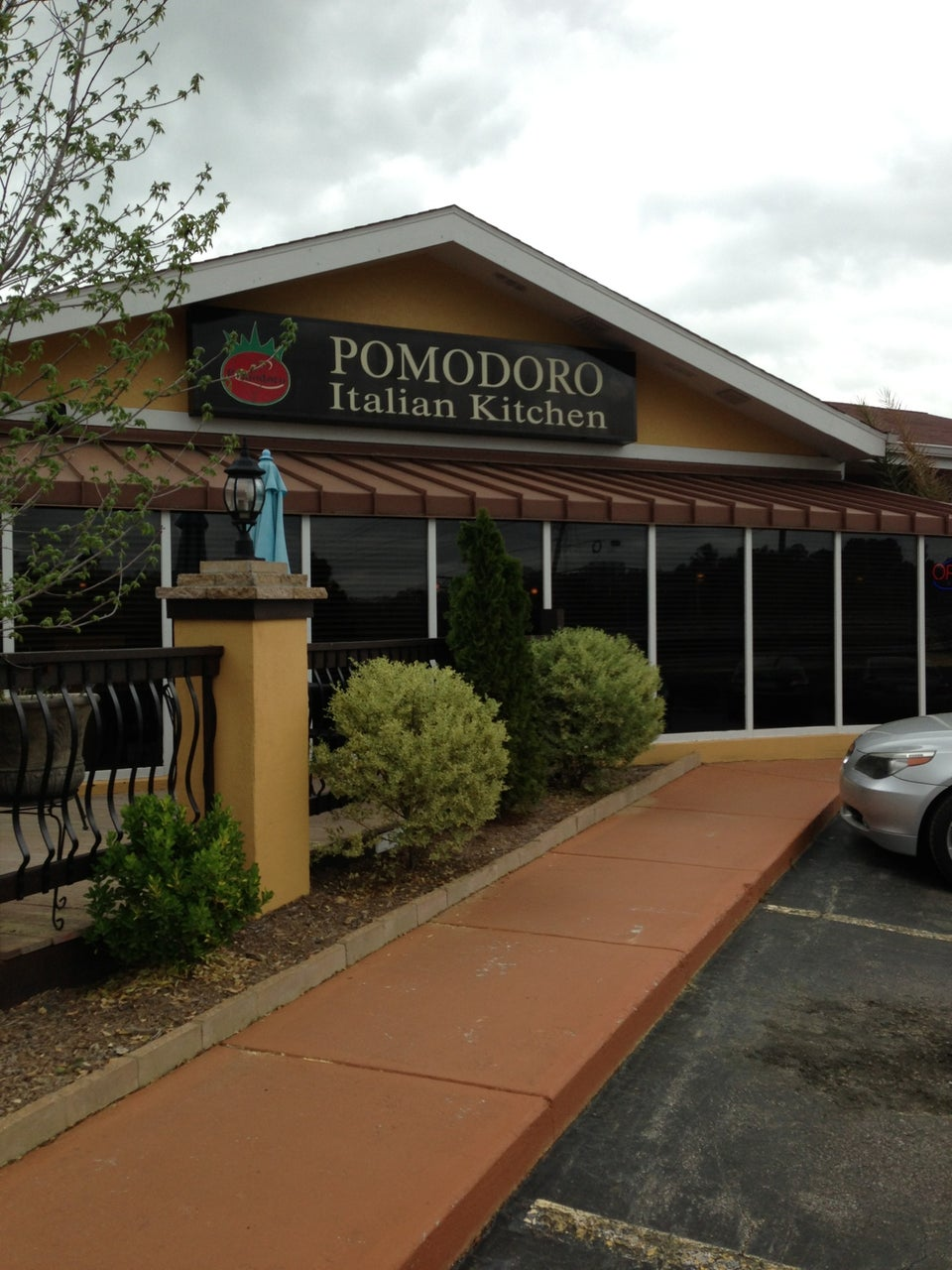 Pomodoro Italian Kitchen 1811 Hillandale Rd, Durham