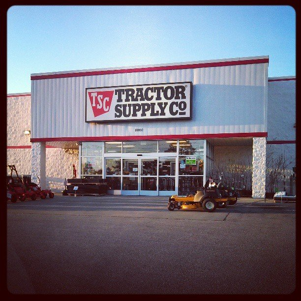 Tractor Supply 8000 Raeford Rd, Fayetteville