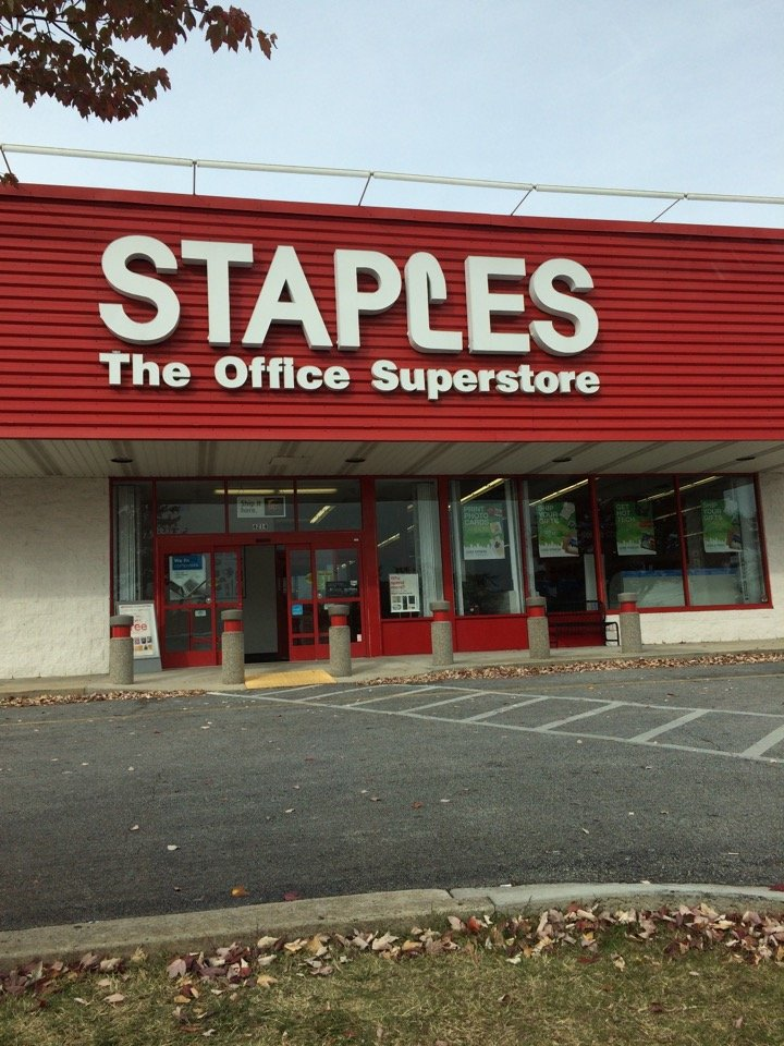 Staples 4214 W Wendover Ave, Greensboro