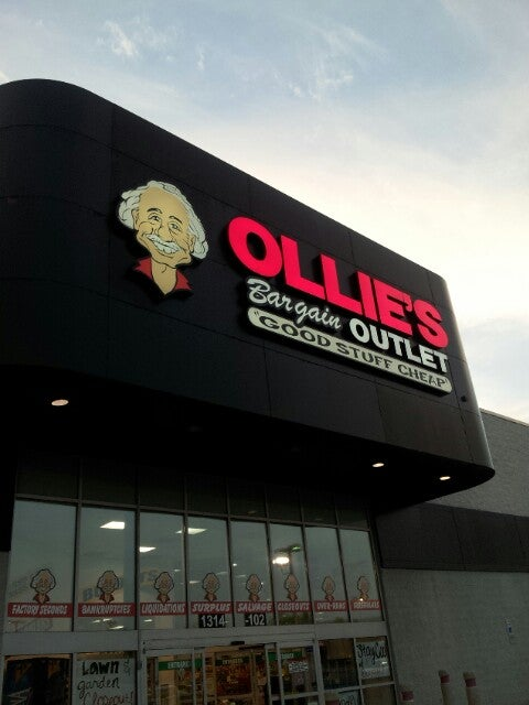Ollie's Bargain Outlet 1314 Bridford Pkwy, Greensboro