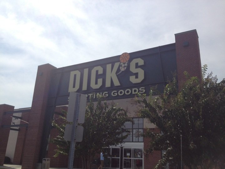 DICK'S Sporting Goods Wilmington