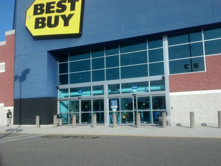 Best Buy 309 S College Rd, Wilmington
