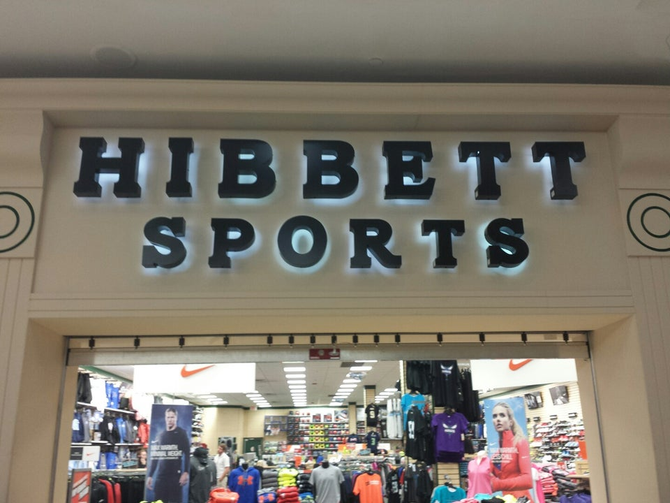 Hibbett Sports 3500 Oleander Dr Ste C3, Wilmington